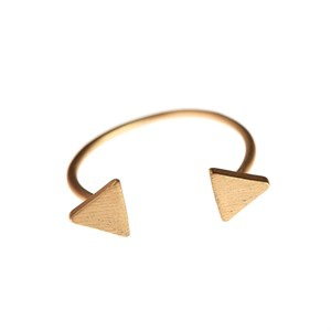 2 triangle ring